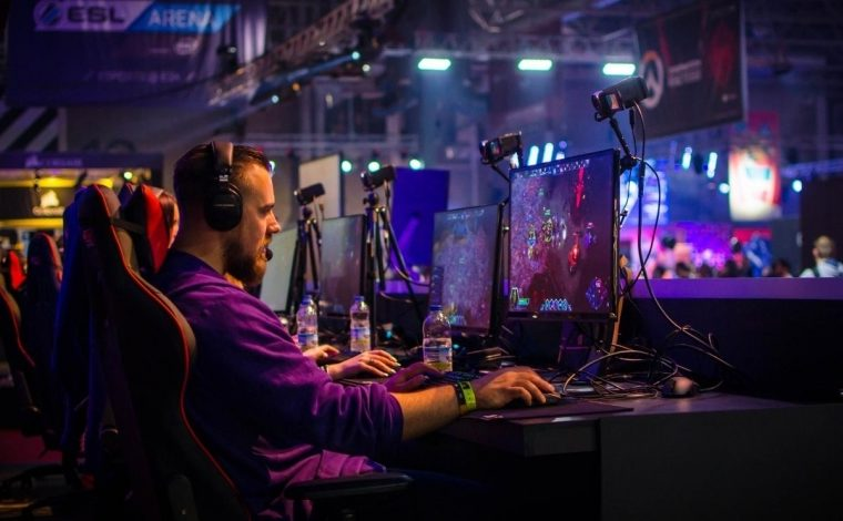 New professions in the 21st century. How to become an eSportsman or work in eSports in 2020